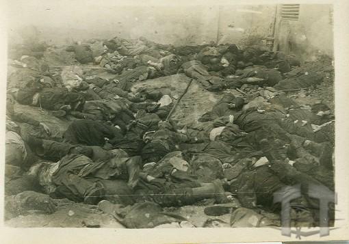Внутрішній двір в'язниці «Бриґідки», червень 1941 р. (фотографія з колекції Меморіального музею тоталітарних режимів «Територія Терору» у Львові)